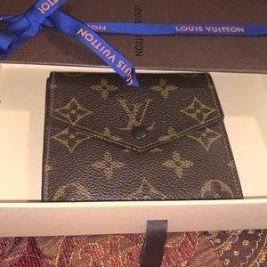 Authentic Louis Vuitton monogram wallet unisex